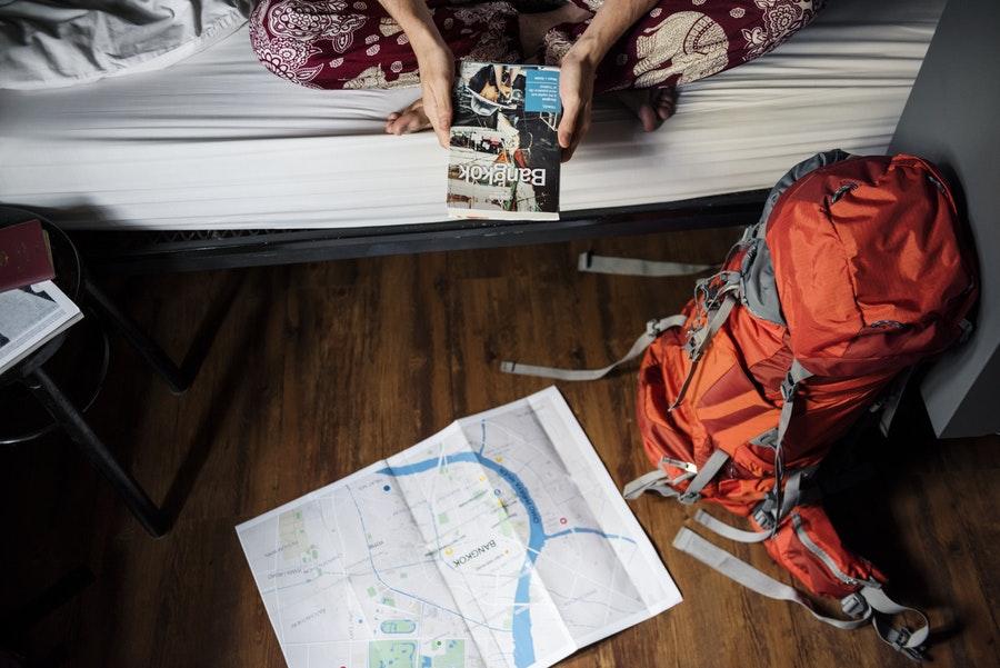 Punaise de lit en voyage à l'hotel